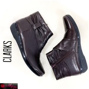 CLARKS Brown Leather Round Toe Booties.